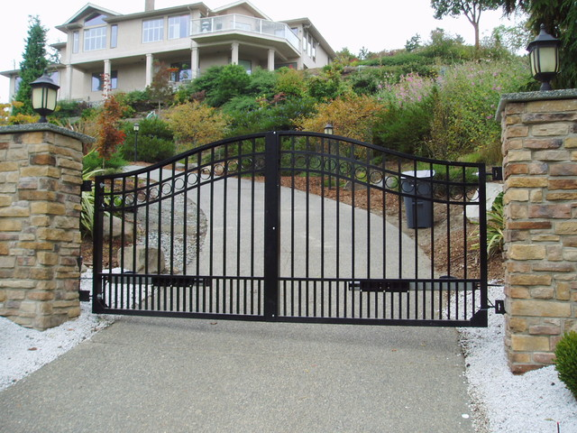 Orange county garage doors and gates garage door repair for Aluminum driveway gates prices